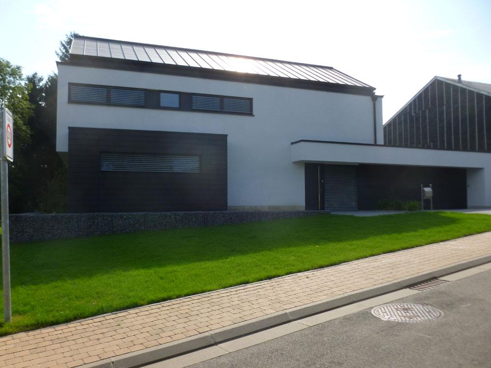 Nouvelle construction frassem ch ssis et brise soleil for Nouvelle construction maison